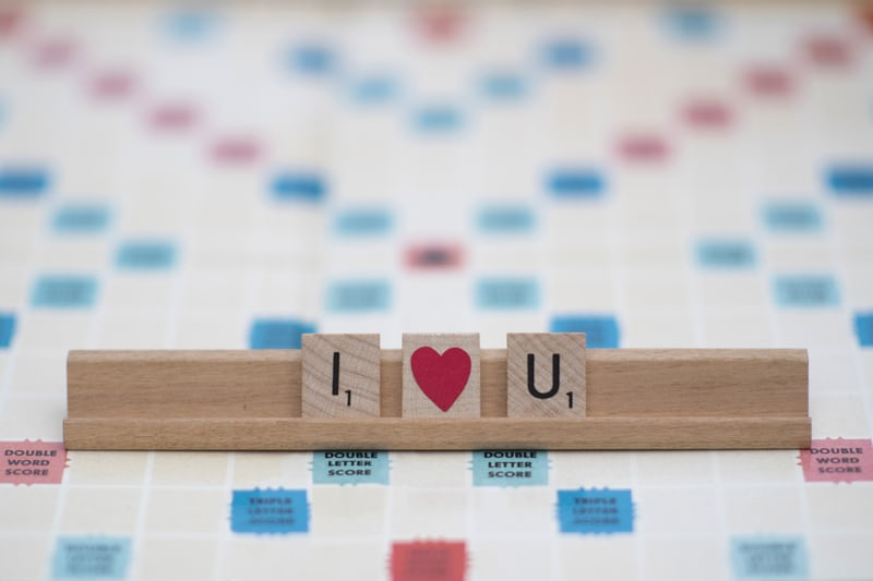 Scrabble ledge with I heart and u